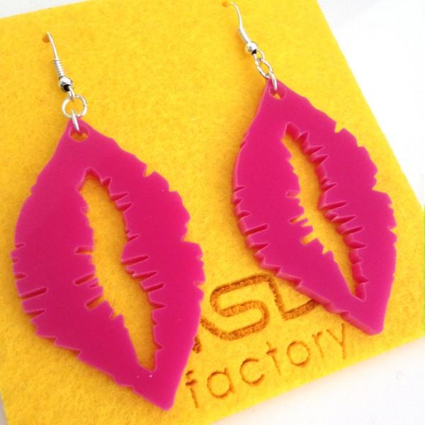 http://www.nsdfactory.com/437-large/orecchini-lips.jpg