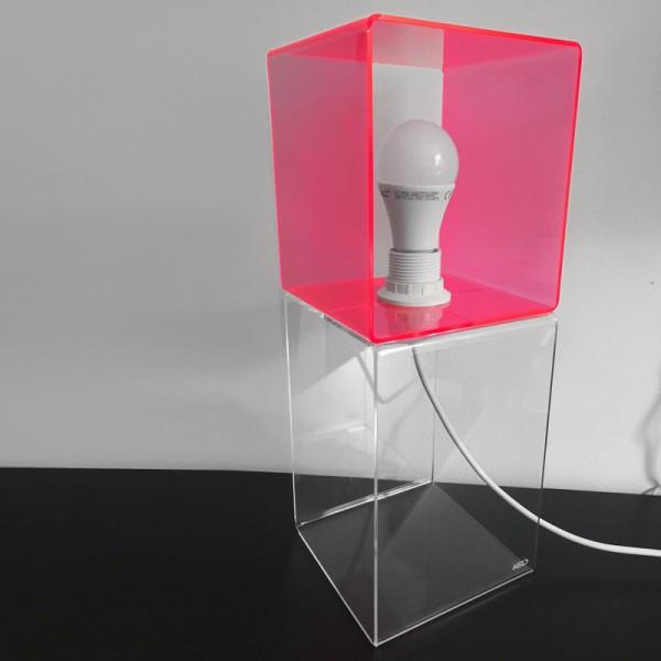 http://www.nsdfactory.com/577-large/lampada-illusione.jpg