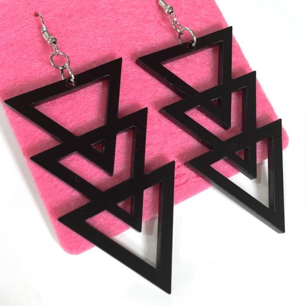 http://www.nsdfactory.com/639-large/orecchini-triangoli.jpg